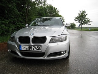 BMW320i(Germany).jpg